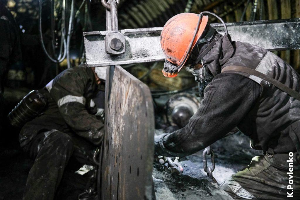 К соблюдению трудовых гарантий и сохранению социальной стабильности
