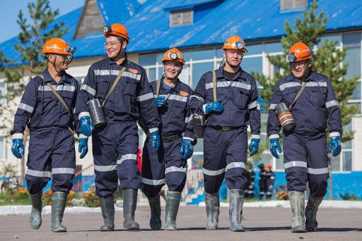 О повышении заработной платы и единовременной выплате работникам компаний Группы «Казахмыс»